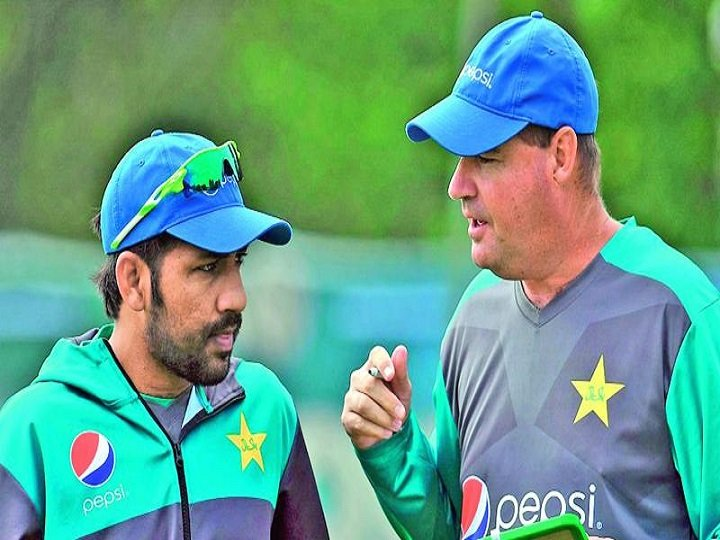 #PCB ends association with Pakistan Head Coach #MickeyArthur & support staff post dismal performance in #iccworldcup2019  https:// english.wahcricket.com/news/pcb-ends- association-with-pakistan-head-coach-arthur-support-staff-134101  … <br>http://pic.twitter.com/EVSlnnm1kI