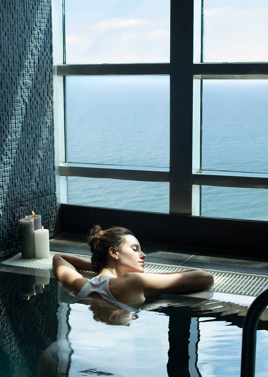 Take your morning to great heights by relaxing at 43 The Spa, the tallest #wellness center in the city. https://t.co/P8OHQPVmKf