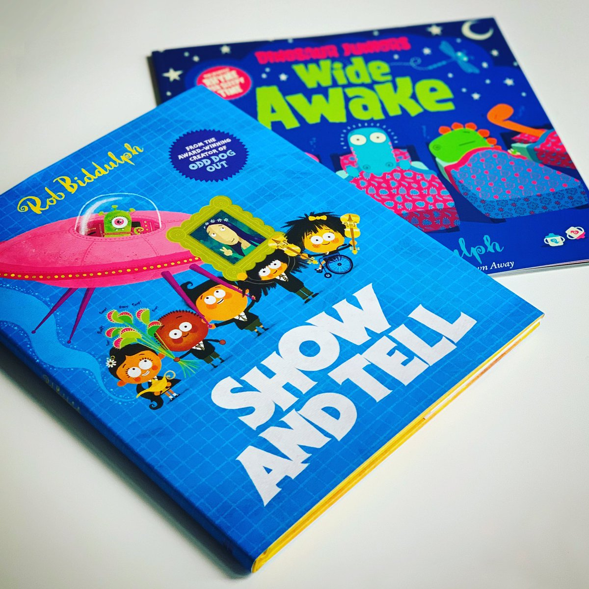 #Competition time! I have 2 books publishing tomorrow, so to celebrate I'm giving away a signed copy of 'Show and Tell' in HB & 'Wide Awake' in PB. To be in with a chance of #winning just RT & FOLLOW. Entries must be received before midnight on 21 August. Good luck! #WinWednesday