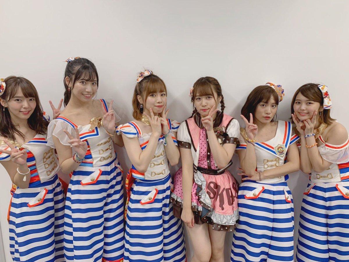 蒲郡競艇場に現れたSKEの6人の美少女に、競艇オヤジ大興奮!!!
