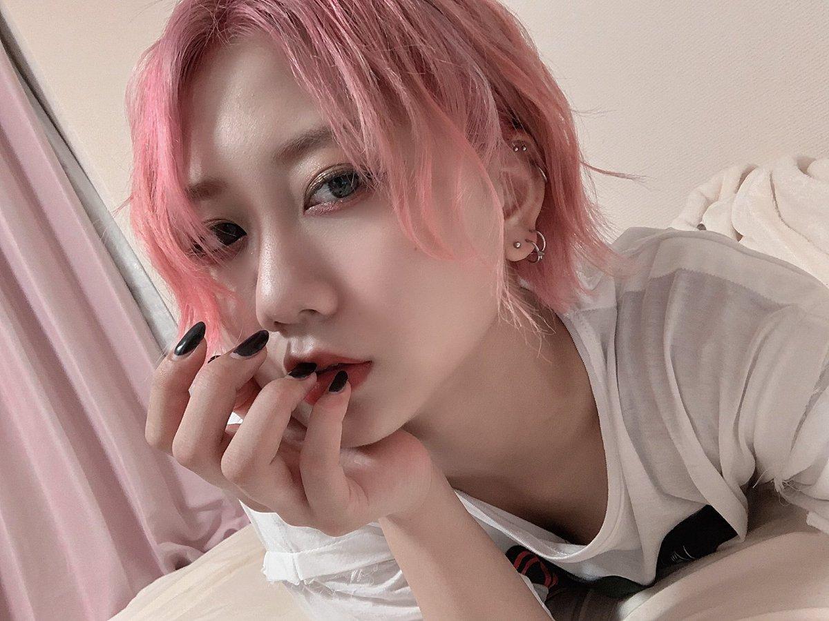 【悲報】SKE48センター古畑奈和さん、髪を物凄い色に染めてしまう