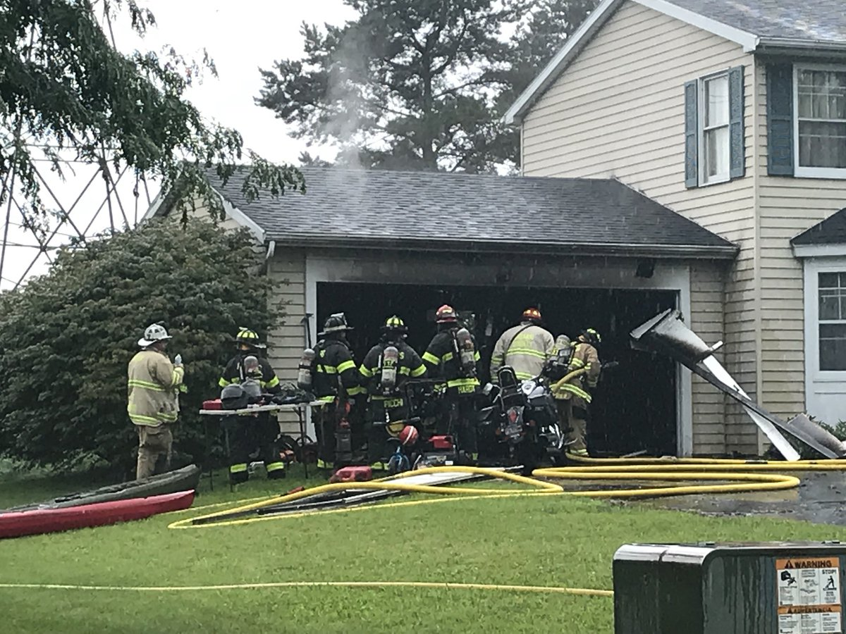 Crews respond to garage fire in Farmington on Wednesday