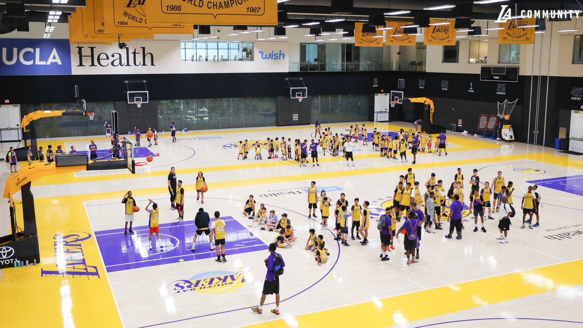 Community Relations   Los Angeles Lakers