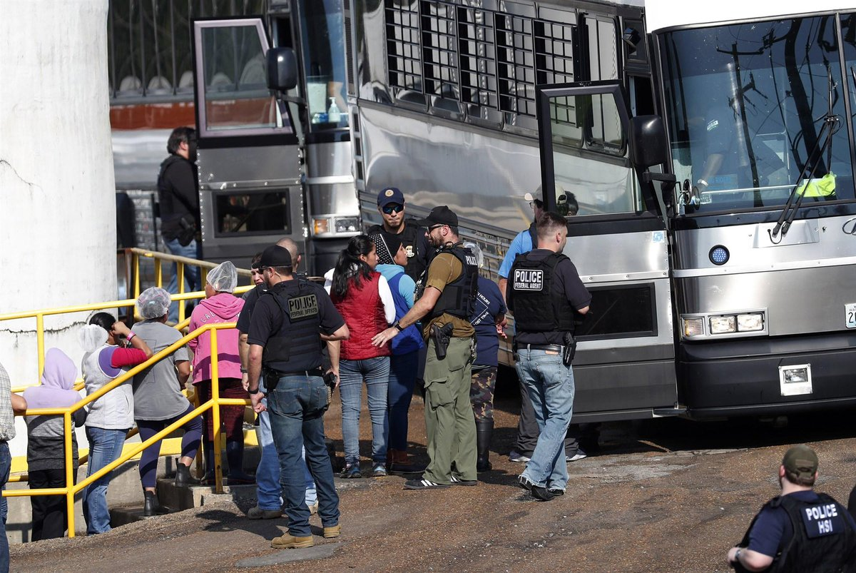 ICE agents arrested 680 people in Mississippi in the largest single-state raid in their history. 600 agents swept up hundreds at food processing plants in several cities. That which so many dreaded is coming to pass. http://nbcnews.com/news/us-news/m…#ICEraids