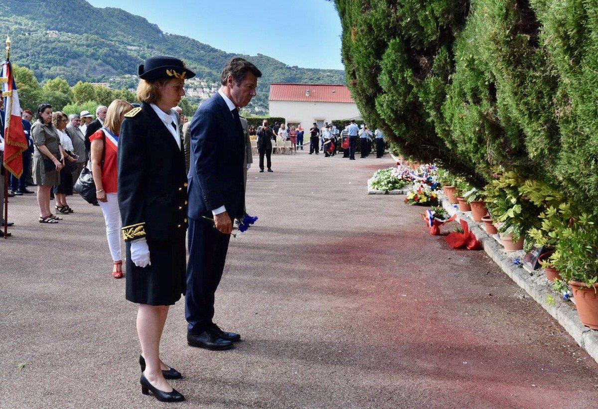 En ce 15 août, j'ai souhaité déposer une des fleurs de la gerbe de la @villedenice devant les stèles de ces 23 fusillés qui n'avaient pas pu être fleuries par les familles de ces jeunes morts pour la France 🇫🇷