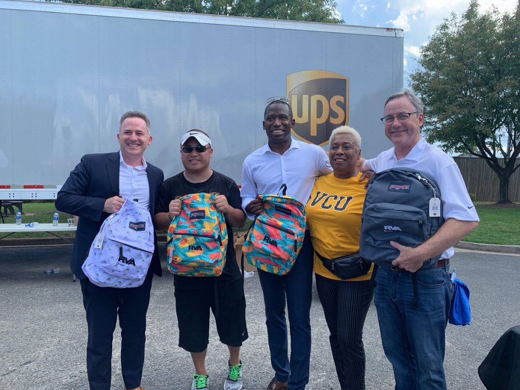 Thank you @RPS_Schools superintendent @JasonKamras, @vcualumni's Timmy Nyugen, Mayor @LevarStoney, Richmond school board member Cheryl Burke, our wonderful employees, and all of the volunteers who stuffed backpacks today! 🎒  http://keyrealty.com/commercial-real-estate/2019/08/14/thank-you-rps_schools-superintendent-jasonkamras-vcualumnis-timmy-nyugen-mayor-levarstoney-richmond-school-board-member-cheryl-burke-our-wonderful-employees-and-all-of-the-volunteers/?utm_source=dlvr.it&utm_medium=twitter …