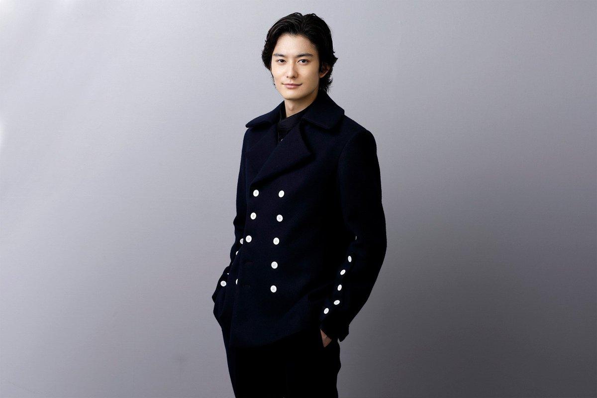 本日は 岡田将生 さんのお誕生日です おめでとうございます 撮りおろし写真をいただきましたので公開
