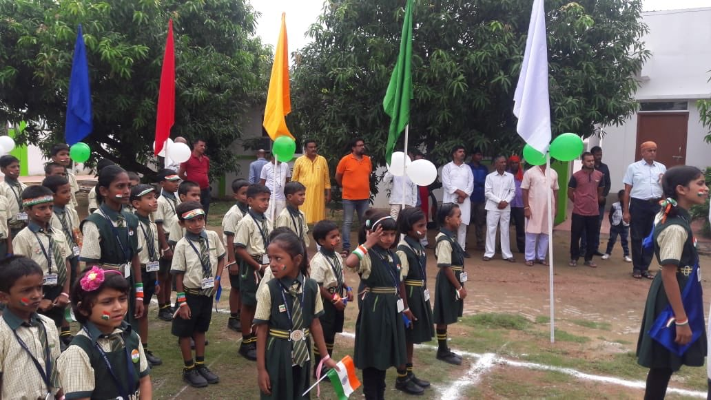 Trivir Public School, Karma, Bihar celebrates Independence Day with great fun and fair. <br>http://pic.twitter.com/BlSjMEUTt8