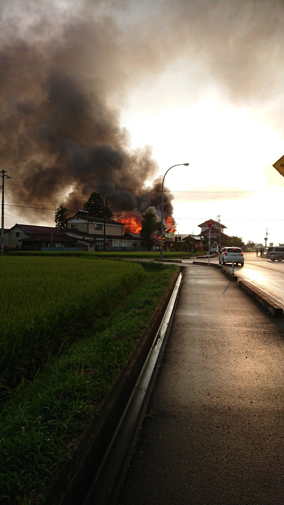 登米市石越町で火事が起きている現場画像
