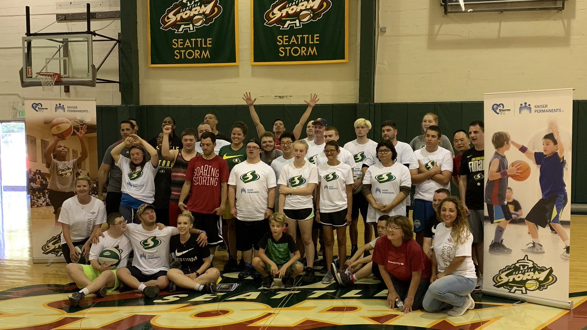 Excellent afternoon with my fellow @BankofAmerica volunteers at the @seattlestorm clinic with @SO_Washington athletes. We all had so much fun learning and playing!