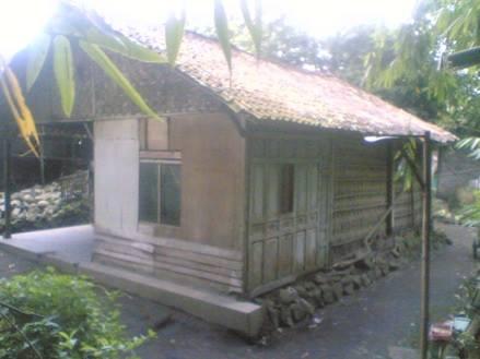 Rumah yang dulu ditinggali Angga dan keluarga