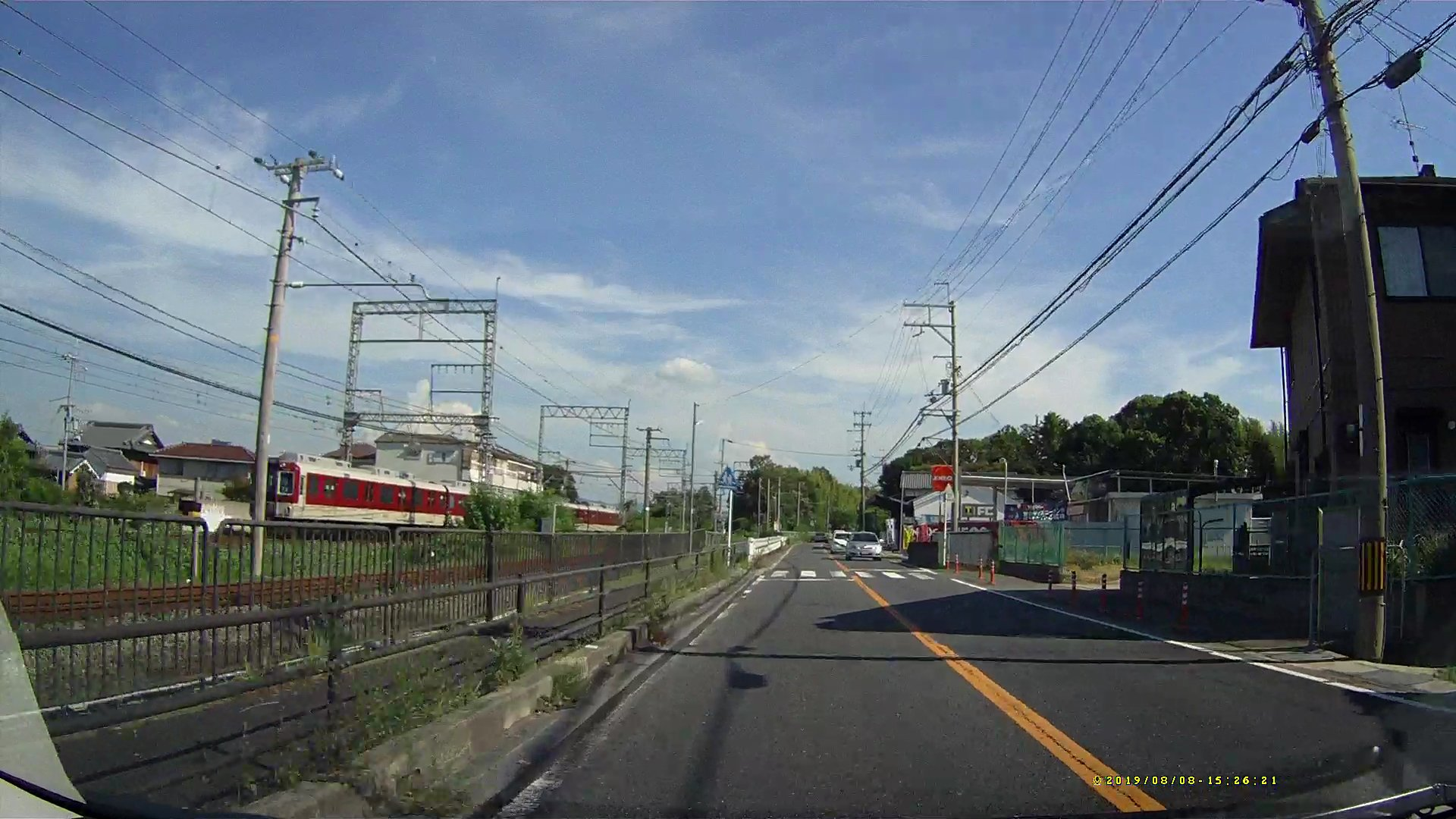 木津川台駅の人身事故で特急列車が