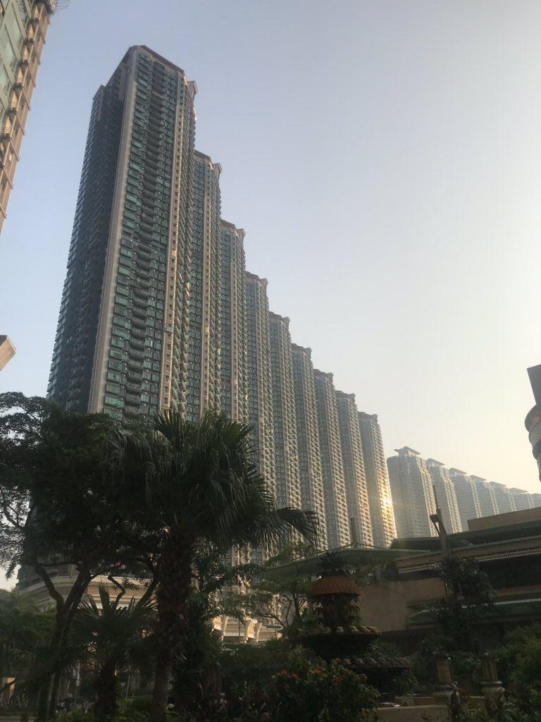 Home! #hongkong @JBCarterHK #atlast #HK  #airport #cheklapkok #tungchung #lantaupic.twitter.com/knlKtAAlVG