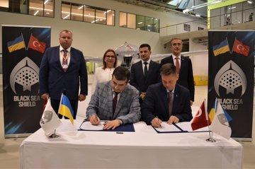 وفد أوكراني يبحث شراء طائرات بدون طيار تركية الصنع EBdVhOxXsAAcWxu