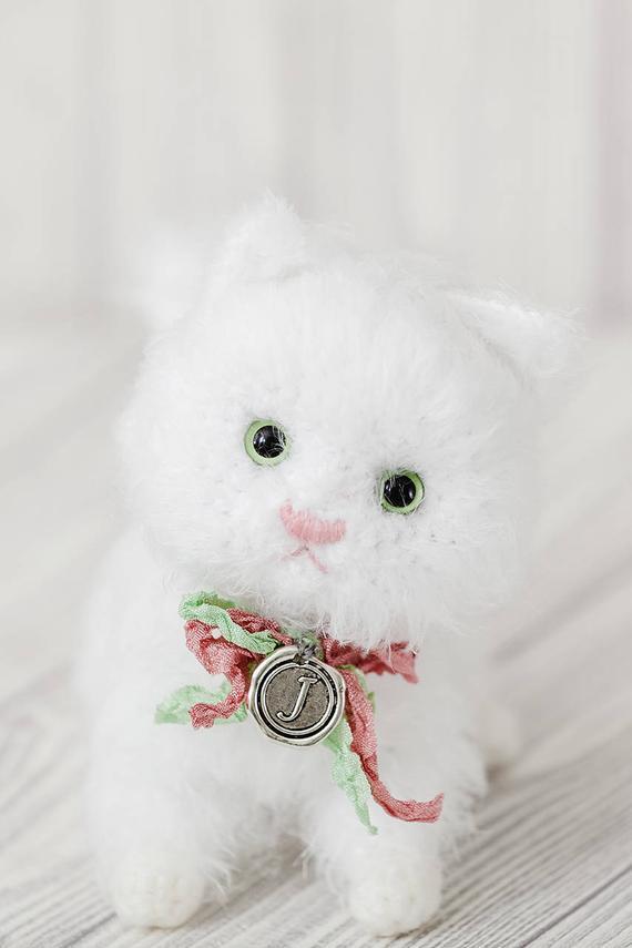 Crochet Cat - Repeat Crafter Me | 855x570