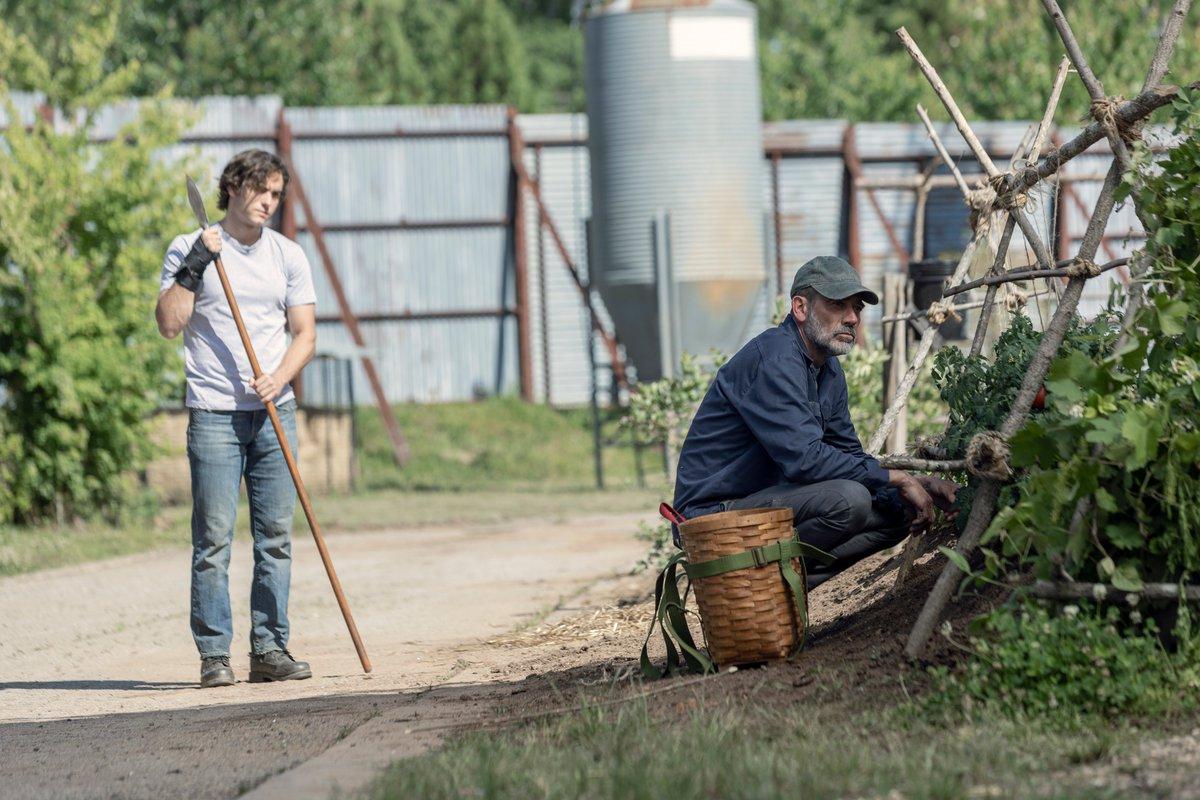 THE WALKING DEAD Season 10 Premiere Stills Introduce A New Whisperer