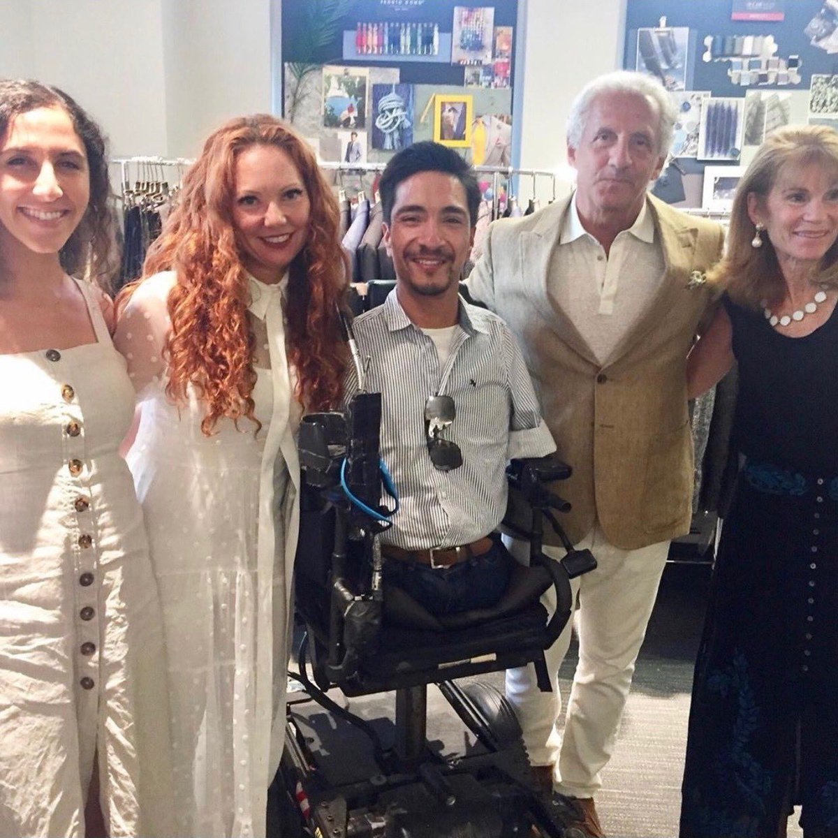 What an amazing opportunity we had last week to meet @coachrobmendez at the @JosephAbboud HQ! Didn't Coach look great at the #ESPYS this year? That's all thanks to the Joseph Abboud team. Shout out to Jr. Board Member Lila Abboud featured in the pictures! #RethinkTheRunway