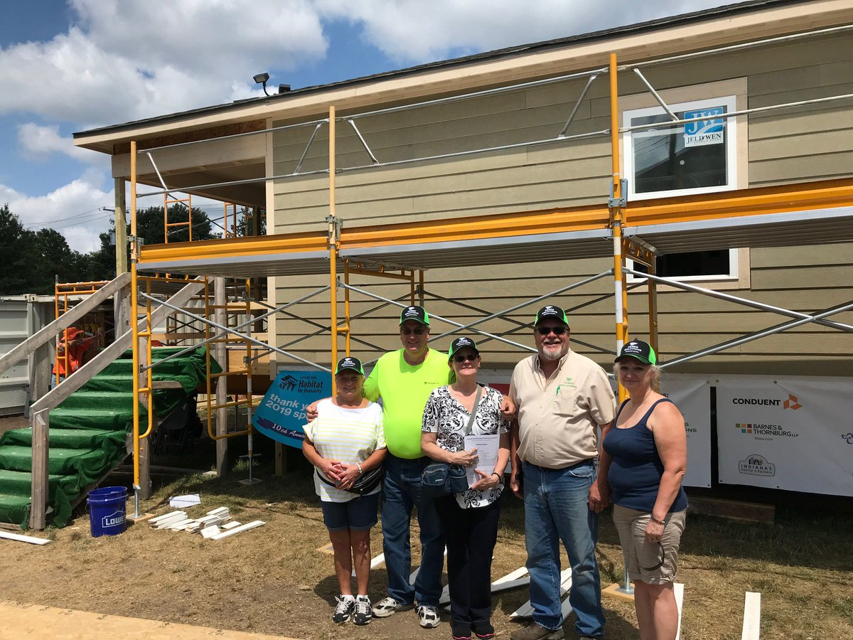 Cooperative Spirit at Work... Ceres Solutions team members along with five other cooperatives have came together to assist with the #AgBuild at the Indiana State Fair. Lending a hand to our local community. @IndyHabitat @IndyStateFair @LandOLakesInc