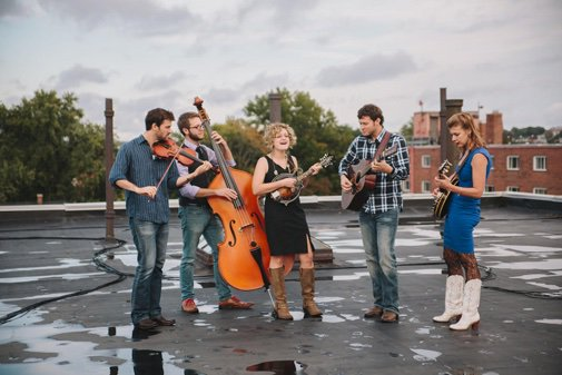 """Things to do in #CambMA and #Somerville on Saturday (8/10): """"Moon Rocks"""" Concerts Under the Moon, free with Laura Orshaw & The New Velvet Band at @DraperLab in #KendallSQ. See bit.ly/2YGSAnw."""