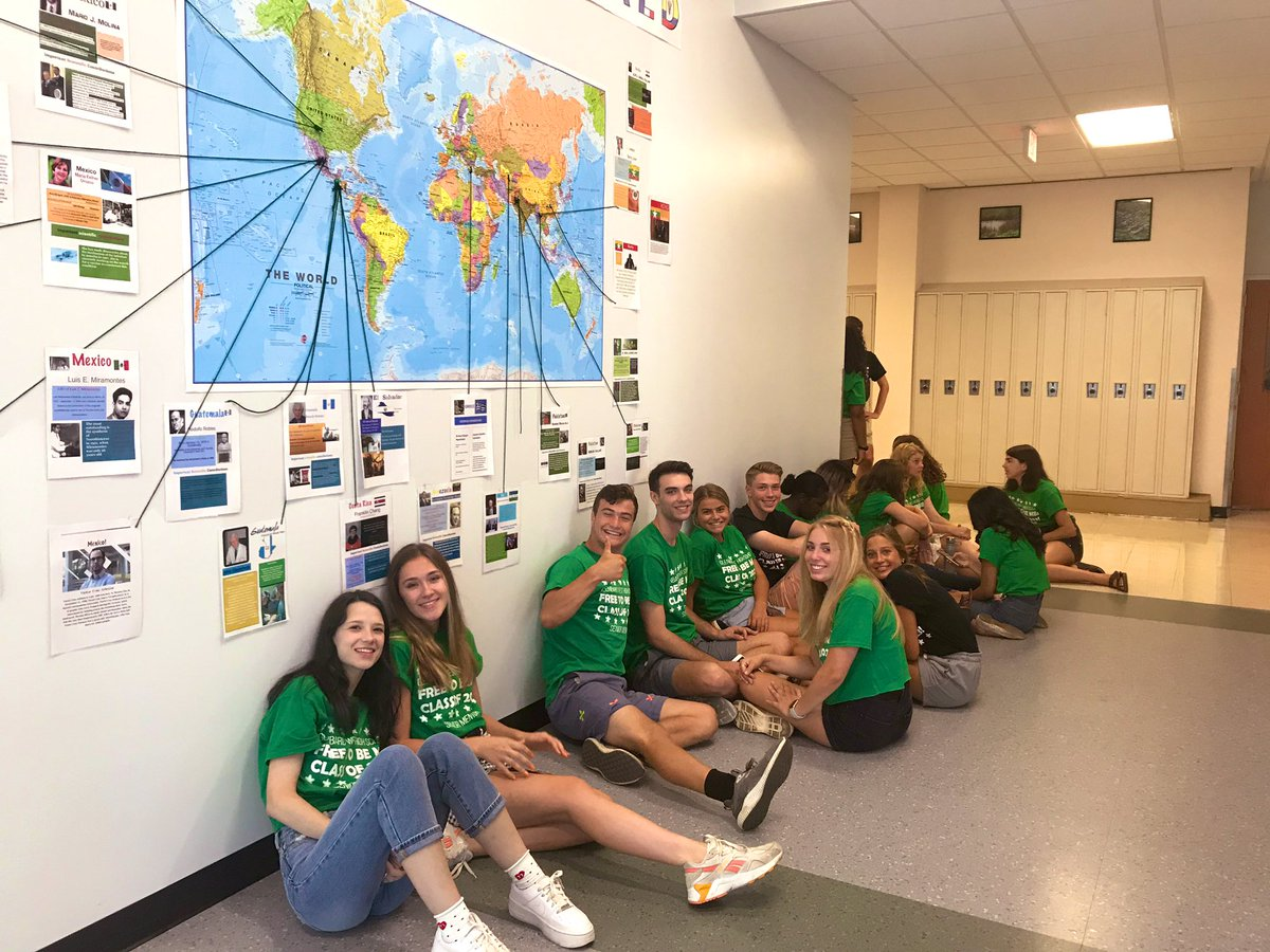 Senior and junior mentors were full of energy and simply rockstars walking the halls of @GWHilltoppers over and over and over again with the freshmen. @MrsSlowinski