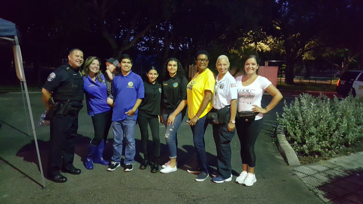 Last night in the district for the #NationalNightOut with Vice-Mayor Traci Callari and youth ambassadors of the city of Hollywood!   #TeamWoodson #FLHD101