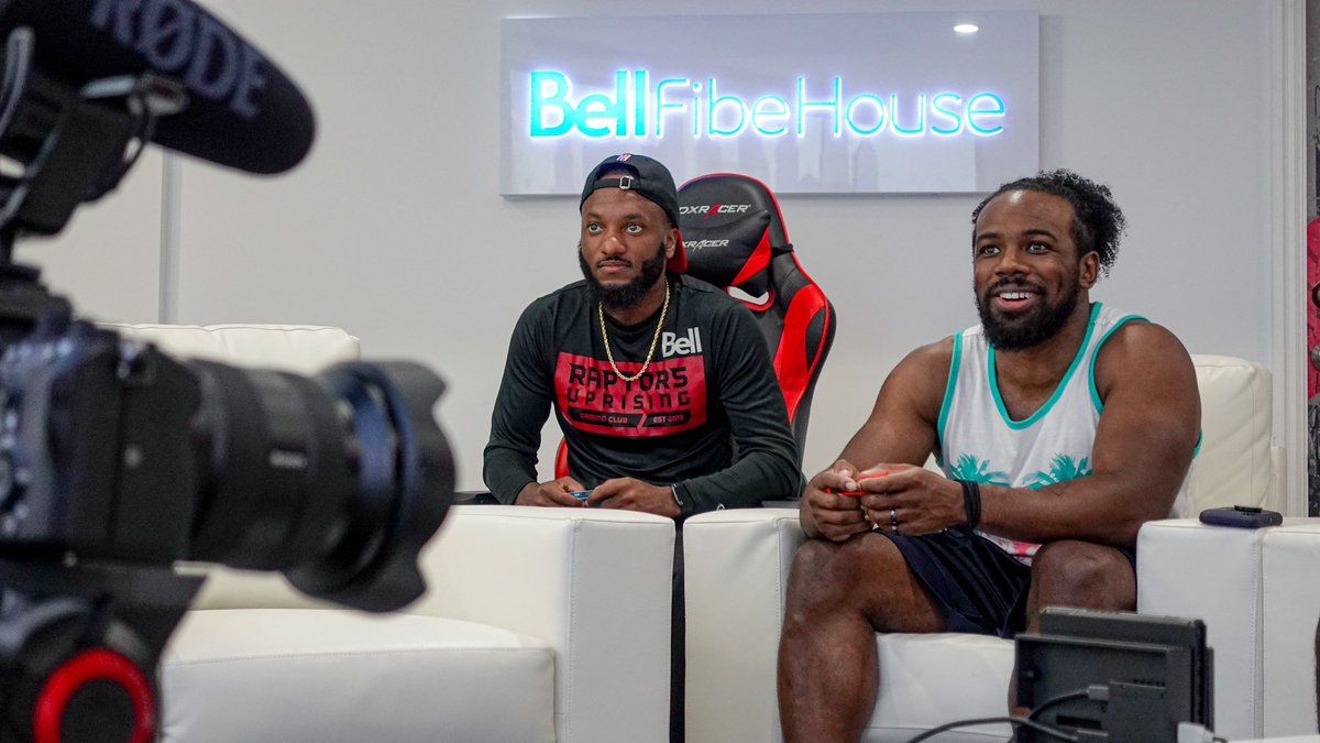Cookin up somethin with @XavierWoodsPhD and @UpUpDwnDwn at the #BellFibeHouse 🤔