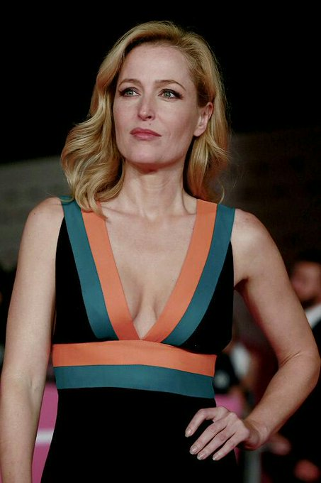 Of-course i know what a milf is  happy 51st birthday gillian anderson PHEW