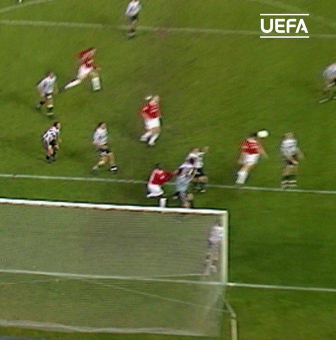 Happy birthday to former captain, Roy Keane!  1 9 9 9