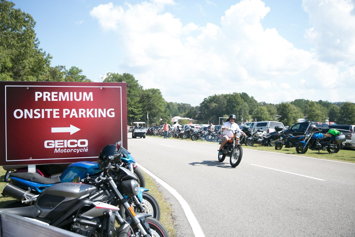 Take advantage of the 3-Day Premium Onsite Parking 🚘 and ensure you have space in the closest available lot to the @GEICO Lower Swap Meet! Purchase yours here today #BVF19 ➡️ cuetoems.com/bvf_2019/Ticke…
