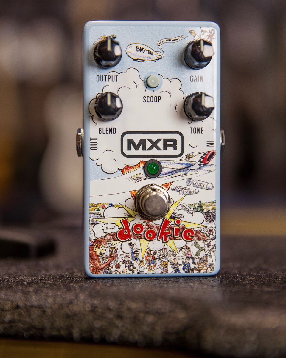 What's your favorite @GreenDay song from #Dookie? Capture the sound of both of the amps @billiejoe used on the record with the limited-edition @jimdunlopusa MXR Dookie Drive pedal! Scoop one up at your local GC before they sell out. bit.ly/DD25GCtw