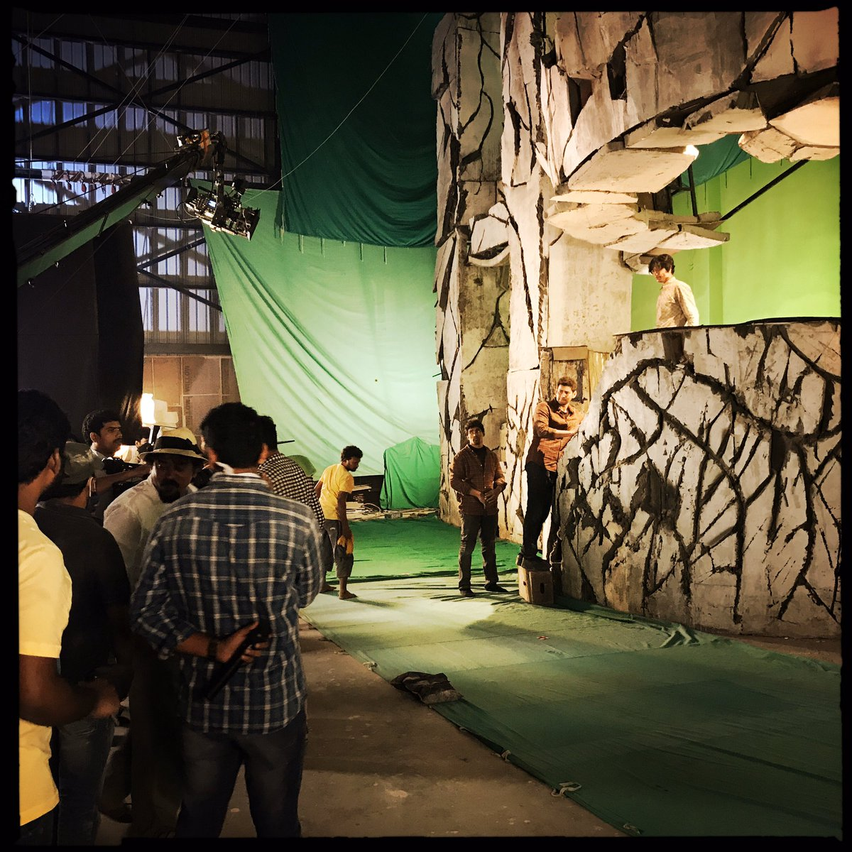 Happy birthday (again) @urstrulyMahesh . Here's some more bts from the Spyder climax that we on-set supervised VFX logging and LiDAR scanned (but didn't do the VFX) for those interested. And this time I'll hashtag..!! #Happybirthdayssmb <br>http://pic.twitter.com/2hsFtYekT9