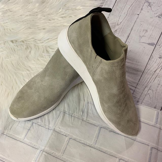 #casualandcute #happytoes  Via Spiga sneaks size 8.5 $22 80-18102  To purchase give us a call at 610-455-1500, send us a DM of this post with your PayPal email or stop in store before 9pm  Have designer goodies that you'd like to sell? We offer pre… https://ift.tt/2YyAQjcpic.twitter.com/msVl2yywj4