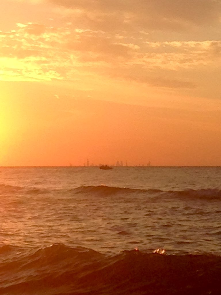 About 88% done with prep for the new school year. Get the rest done this weekend. Meanwhile: Sunset On The Beach. Little chop on the water. Chicago skyline across the lake. #peace #beachlife #teachersinsummer <br>http://pic.twitter.com/cqCEpfqhnH