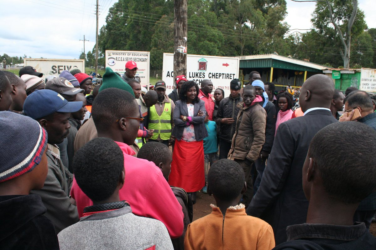 This morning, I met the Youth & Boda boda group of Cheptiret on my way to the fundraiser where @WilliamsRuto is the chief Guest at Cheptiret. I urged them to get organized into groups so as to seek empowerment grants from my office, & bursaries to help them get driving licences