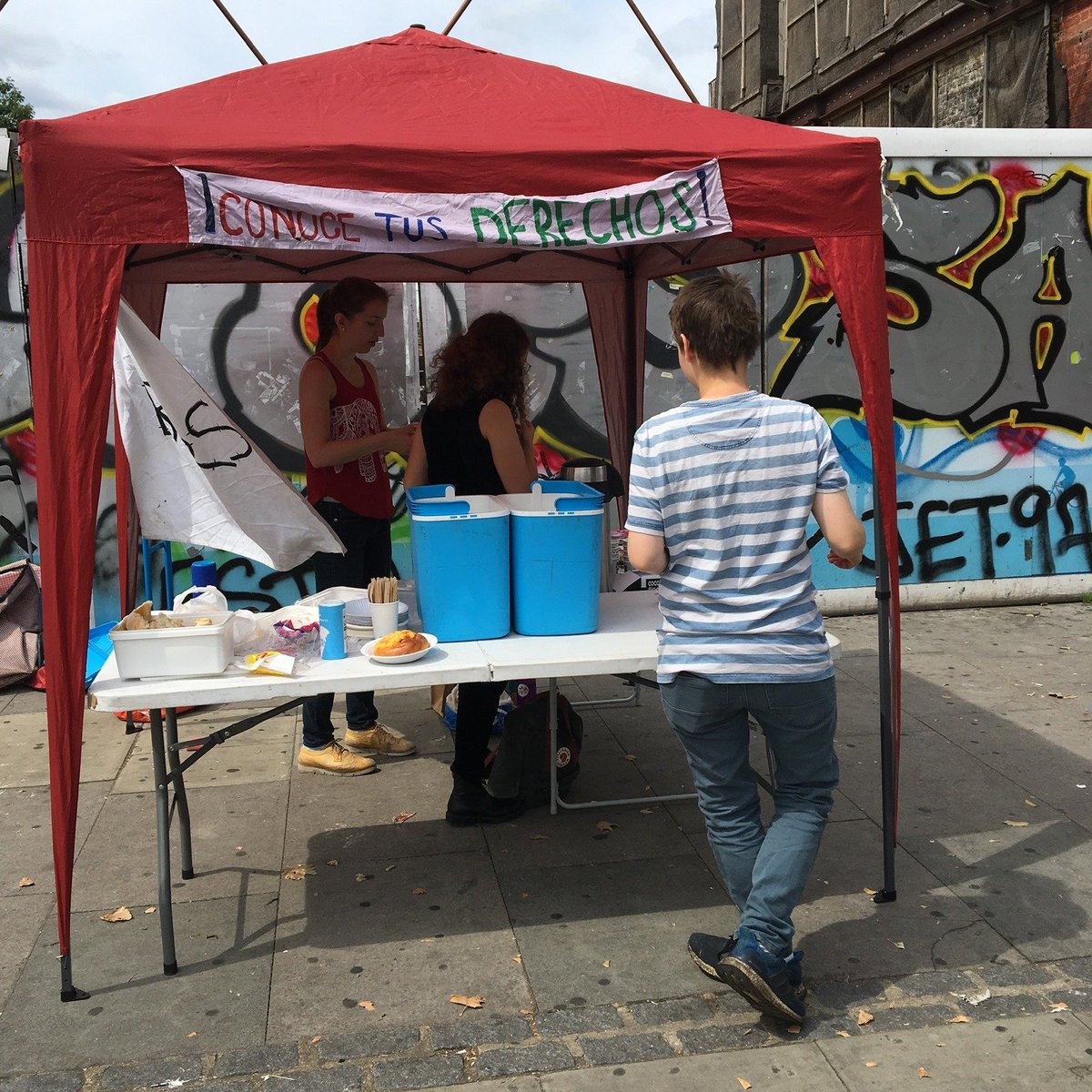 🥕Want to get involved in Food Not Bombs?🥕 We always need ppl to cook, share food & find/collect food donations! We share food every 1st & 3rd Sat of the month outside 7 Sisters Station + for meetings/events. Get in touch if you can help out ✨