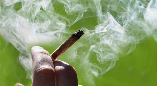 Türkiye'deki erkeklerin yüzde 41'i sigara içiyor