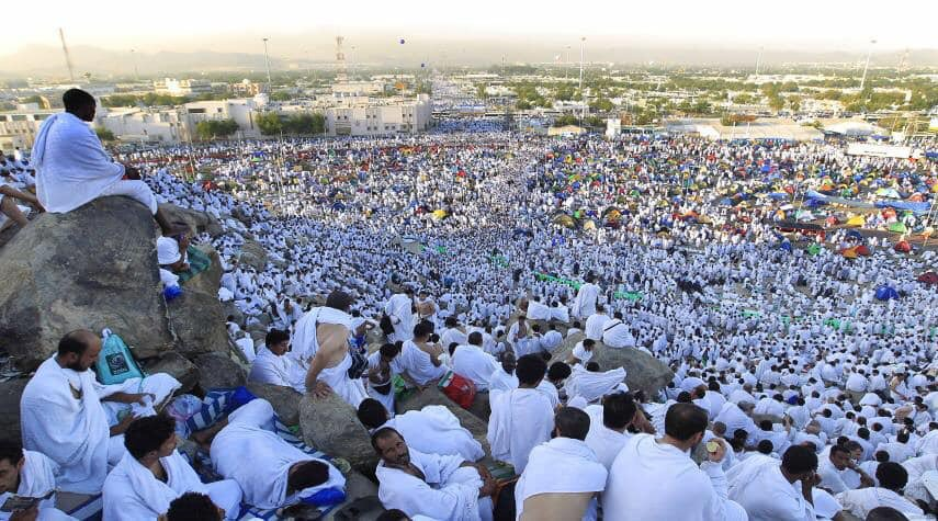 Over 2 million Muslims of all colors and tribes came from all cornners of the world are performing Hajj in #Makkah. Oh! Allah accept their Du'a for us. Ameen. Ameen. Ameen. #CarafahDay #Carafah #Hajj #Pilgrimage #KSA #SaudiArabia #makkahalmukarramah <br>http://pic.twitter.com/r3B2MDM0yn