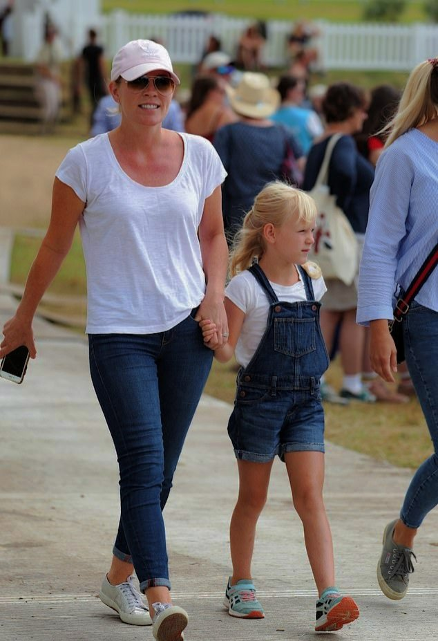 Autumn Phillips and Isla Phillips attend day 1 of the 2019 Festival of British Eventing at Gatcombe Park in Stroud, England  -August 2nd 2019. #AutumnPhillips #IslaPhillips #Englandpic.twitter.com/5rvHAtJOxU