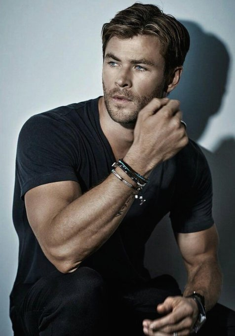 Happy 36th Birthday to Chris Hemsworth!   Is he your favourite Avenger?