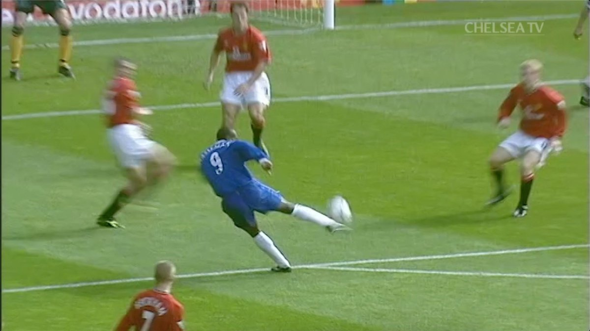 Just so, so good from @jf9hasselbaink! 💥  #MUNCHE https://t.co/11rjBcuR8b