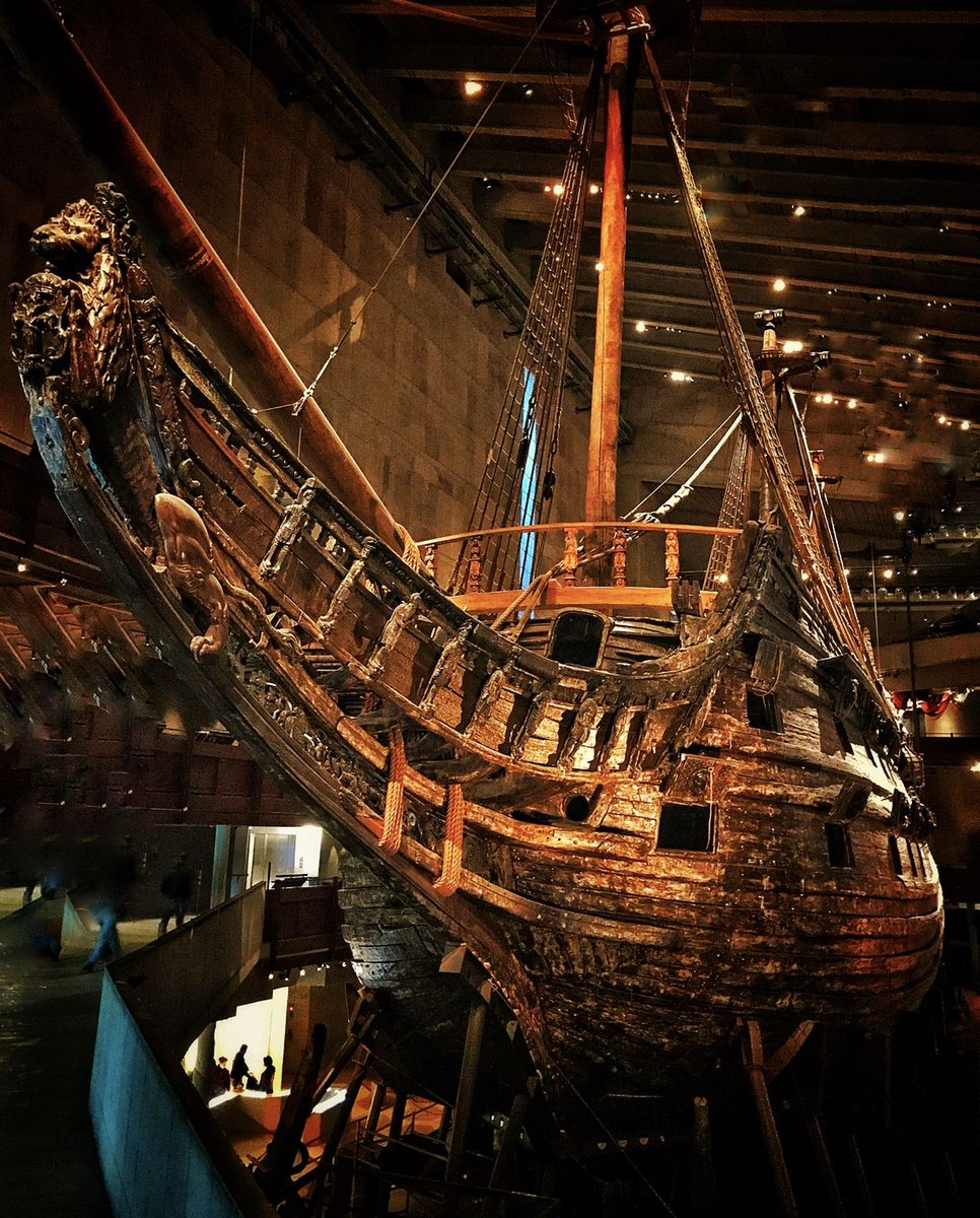Today in 1628 the Vasa, the latest, most powerful and advanced ship in the Swedish navy set off on its maiden voyage. After travelling about 1,300m it capsized and sank. It was raised after 333 years on the seabed. Now @thevasamuseum is one of my favourite places in the world.