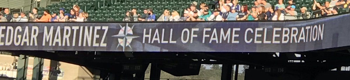 Great night for @Mariners baseball. Edgar Martinez honored and his Hall of Fame plaque is in the stadium. Now they just need to win.