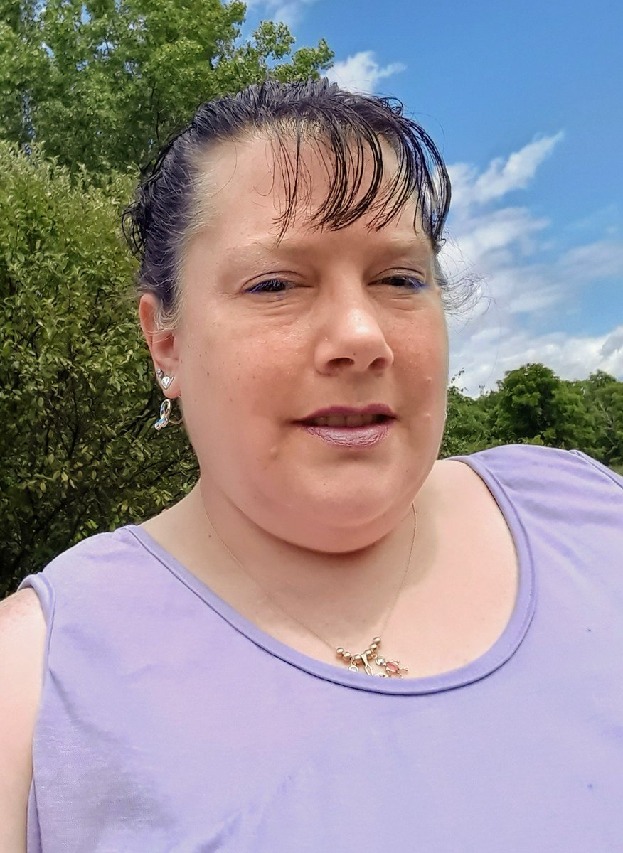 Decided since today was beautiful that I'd be beautiful too!  #feelingliketheoldme #happy #lovingmyself #screwthehaters #IamwhoIam #strong #confident 💜🌹💜🌹💜🌹💜🌹💜🌹💜🌹💜🌹