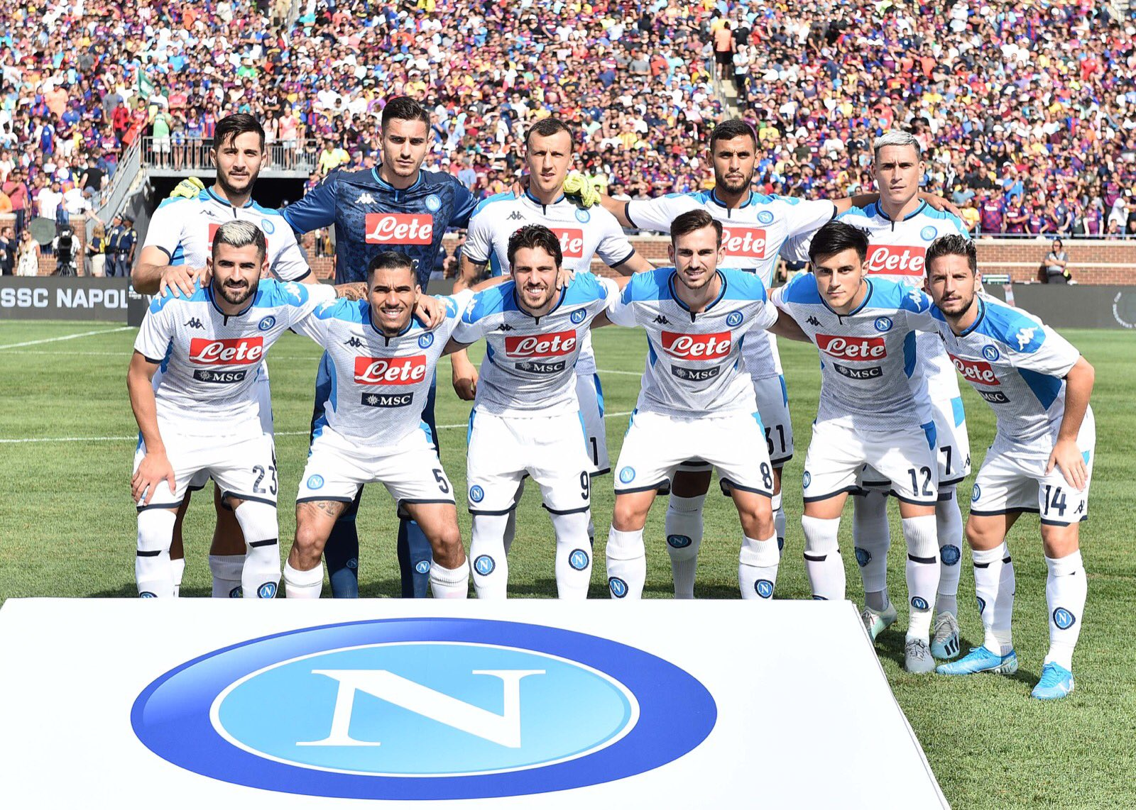 Ancelotti si arrende al Barcellona, Napoli surclassato. Flop Elmas