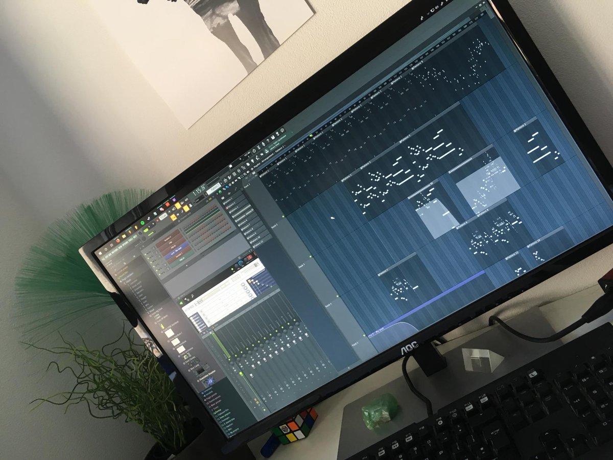 Workin on some music! Hopefully put it out later #flstudio #gamingmusic #music<br>http://pic.twitter.com/ieWdG1HgI8