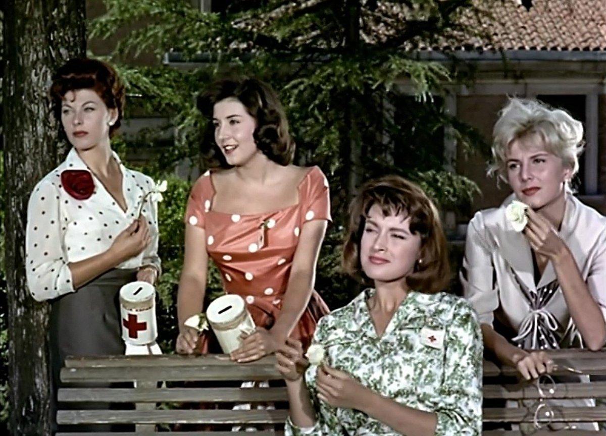 "Twitter पर Mrs. Muir: ""#CineEspañol Las chicas de la cruz roja ..."