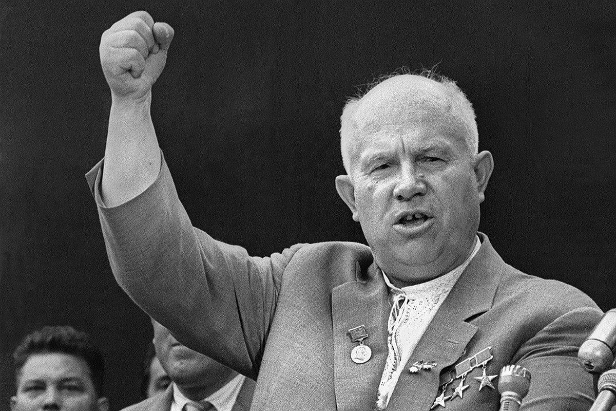 Как выглядели руководители СССР и России в возрасте Путина?