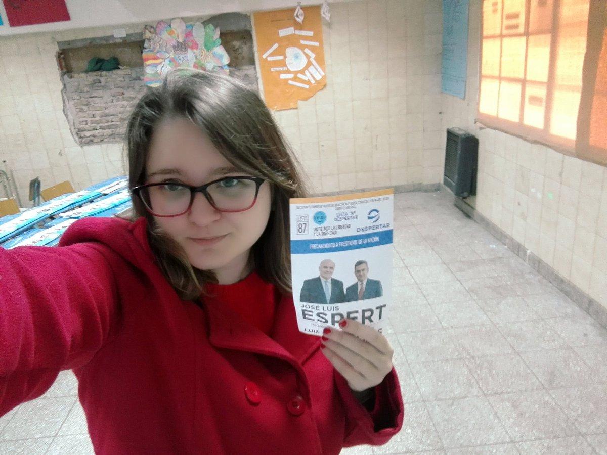 Yo ya voté!!! Hoy escogí #Despertar !!! #EspertRosales2019 #Espert2019 #EleccionesPASO2019 #Espertpic.twitter.com/GtbpvQsczz
