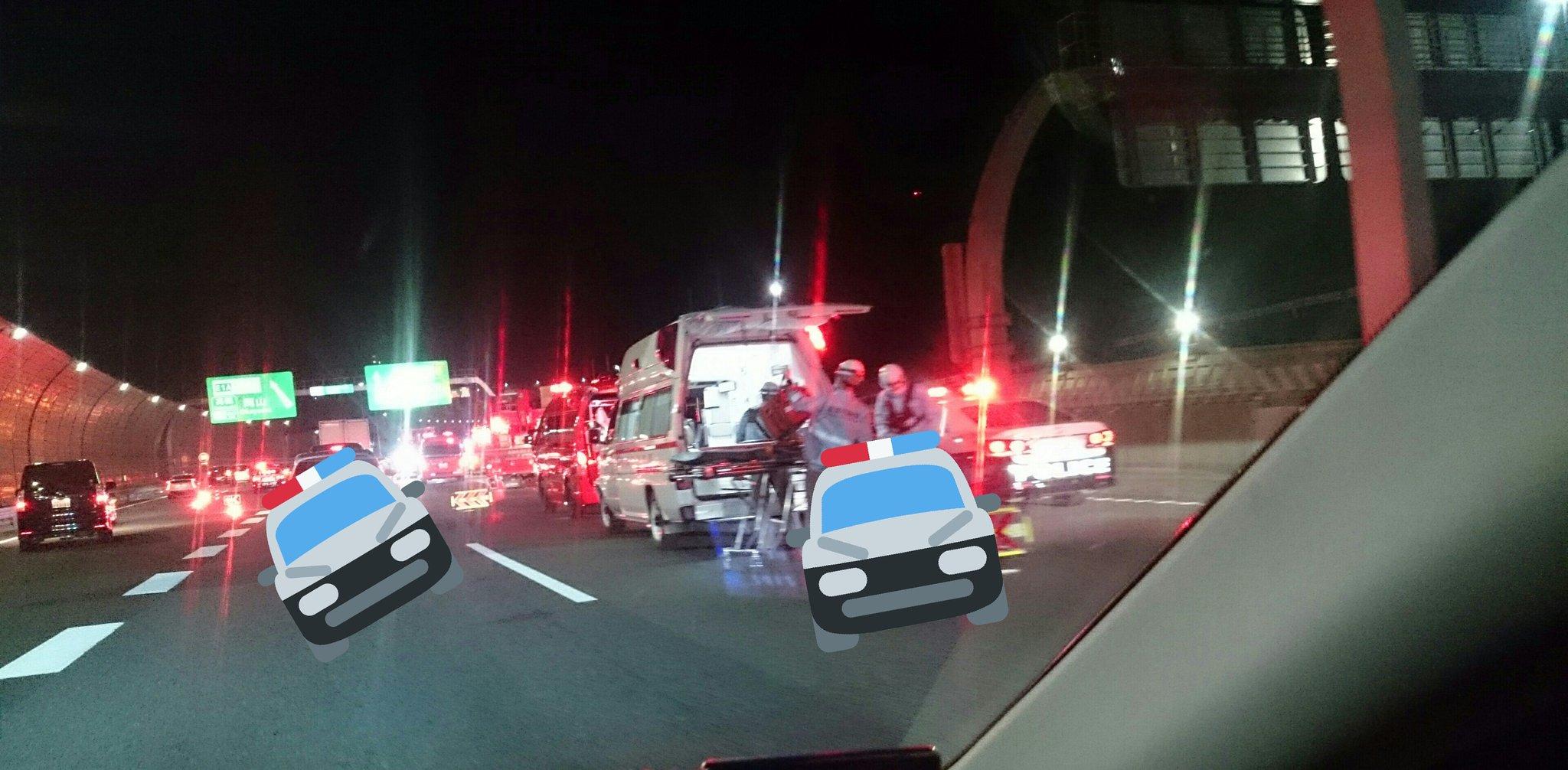 名神高速の高槻JCT付近で事故が起きた現場の画像