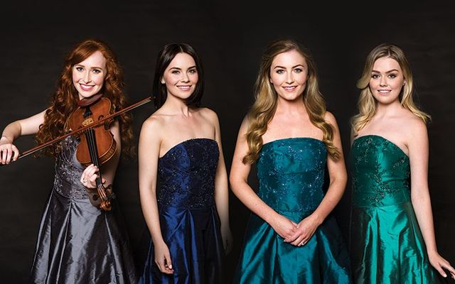 Celtic Woman We Wish You A Merry Christmas.Celtic Woman Celtic Woman Twitter
